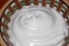Белковый крем для украшения торта