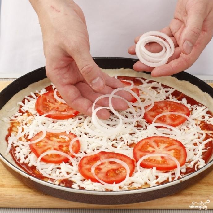 Пицца тонкая - фото шаг 4