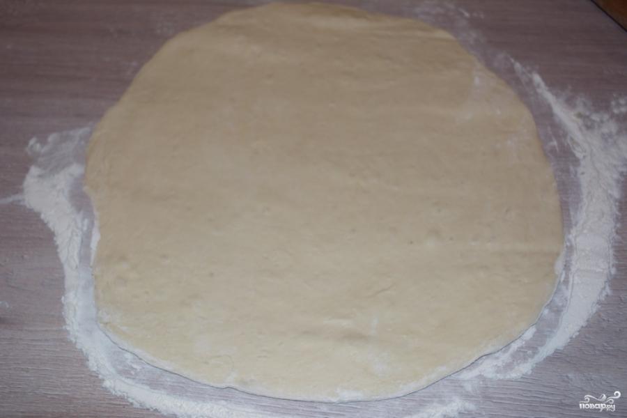 Пирог из дрожжевого теста в духовке - фото шаг 2