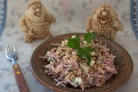 Салат с сыром и орехами