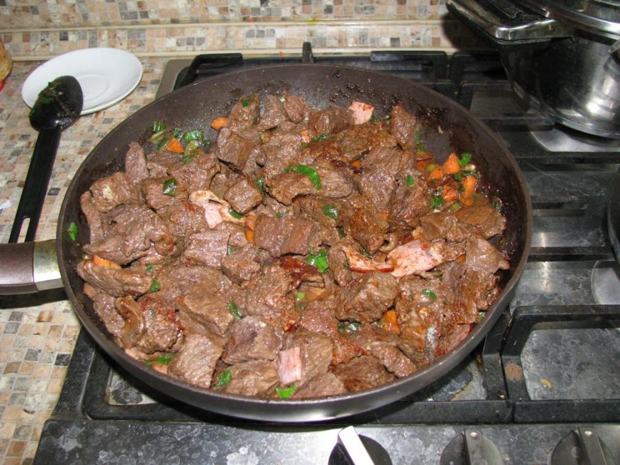 Мягкая говядина на сковороде - фото шаг 5