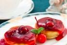 Сырники с вишневым соусом