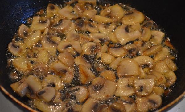 Сырно-грибной соус - фото шаг 3