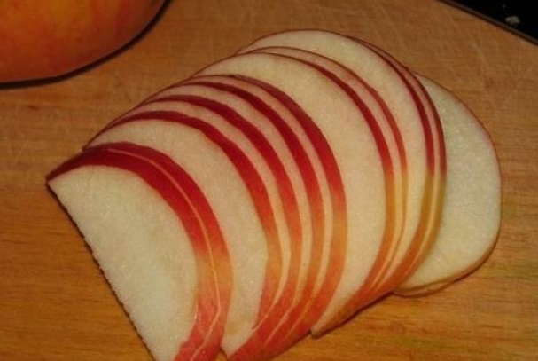 Пирог с яблоками и черникой - фото шаг 3