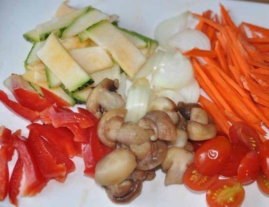 Соте из курицы с овощами - фото шаг 2