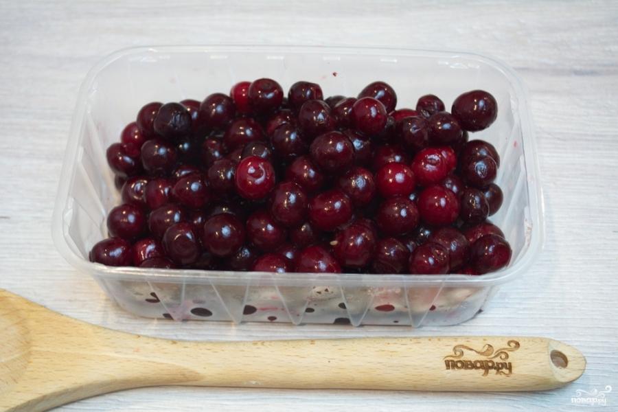 Компот из малины и вишни - фото шаг 2