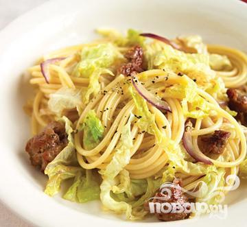 Рецепт Спагетти с капустой и сладкой колбасой