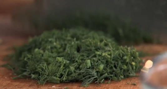 Сало с зеленью и чесноком - фото шаг 5
