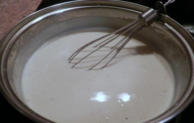 Кролик в сметанном соусе