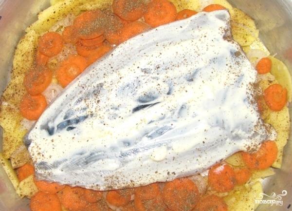 Скумбрия в духовке с картофелем - фото шаг 11