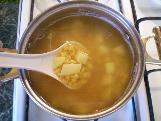 Гороховый суп с картофелем - фото шаг 6