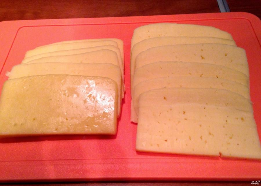 Мясо с сыром и помидорами в духовке - фото шаг 3