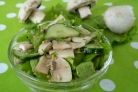Салат из свежих грибов шампиньонов