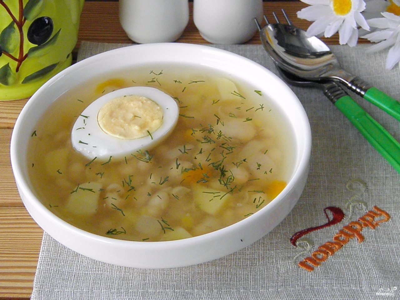 Фасолевый суп с яйцом