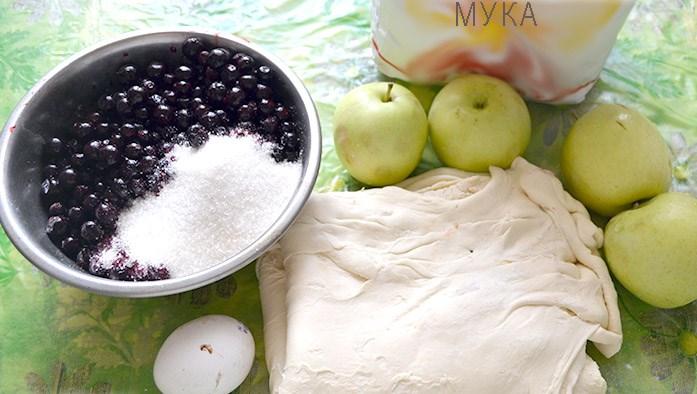 Рецепт Пирог со смородиной и яблоками