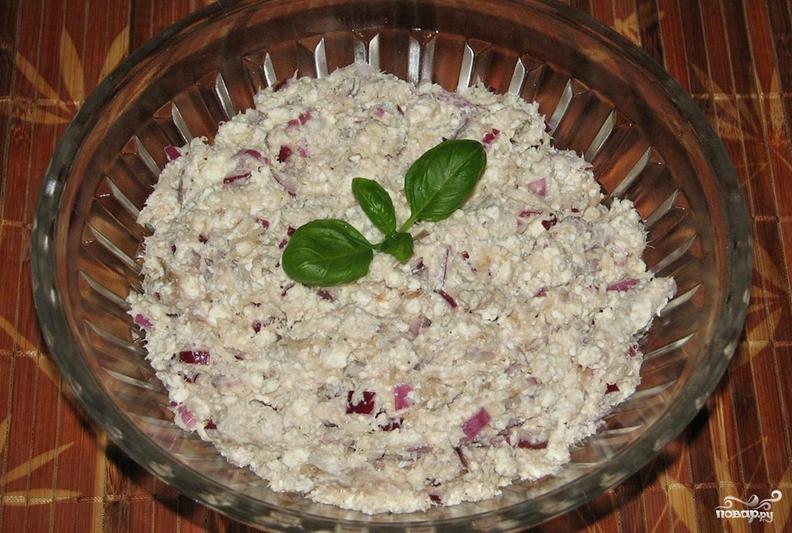 Салат с копченой скумбрией - фото шаг 4
