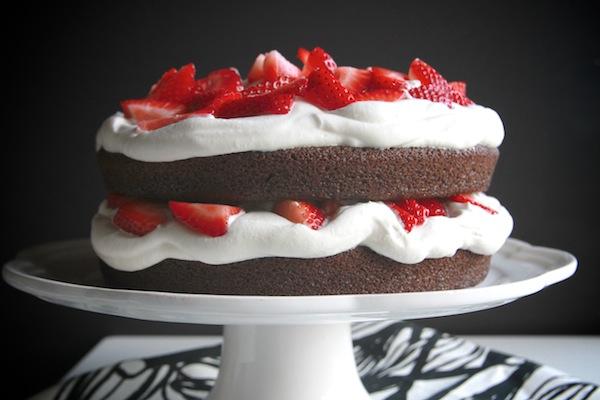 Клубнично-шоколадный торт - фото шаг 8