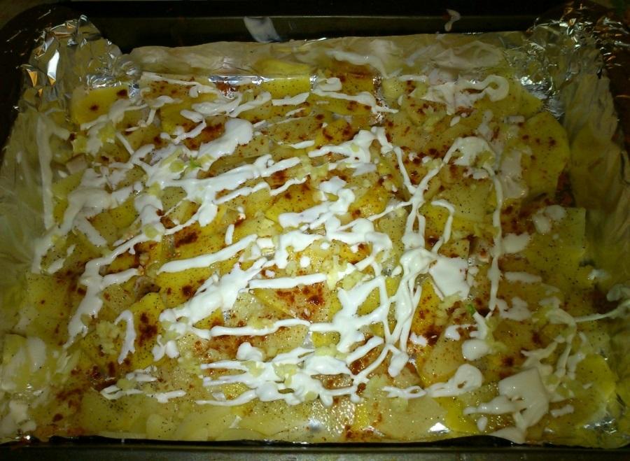 Капуста в духовке с картошкой - фото шаг 4