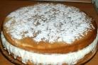 Бисквитный торт с творогом