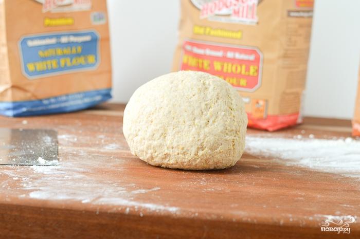 Пицца на толстом тесте - фото шаг 2