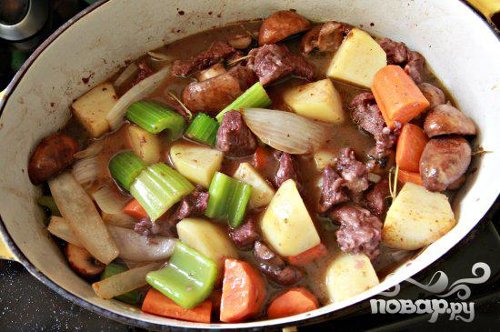 Говядина с вином и овощами - фото шаг 6