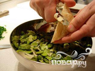 Бобовый салат с сыром пармезан - фото шаг 8