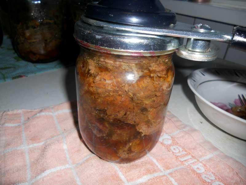 Тушенка из говядины в духовке - фото шаг 3