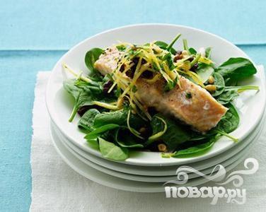 Рецепт Лосось со шпинатом и изюмом