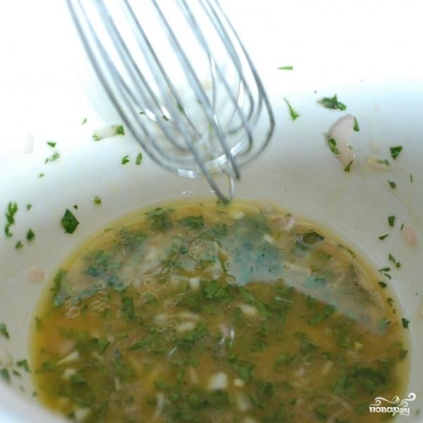 Весенний салат с французской заправкой - фото шаг 7