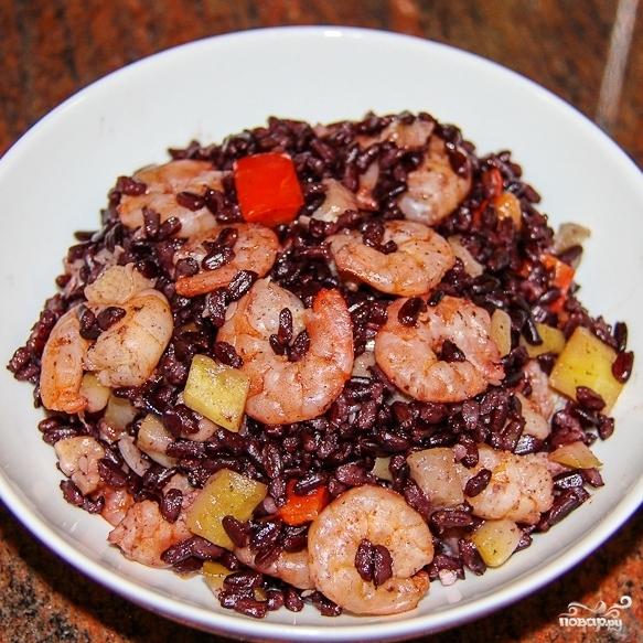 Черный рис с креветками - фото шаг 9