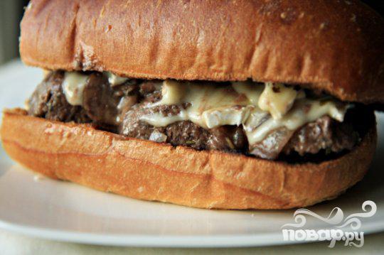 Гамбургеры с фрикадельками и сыром бри - фото шаг 5