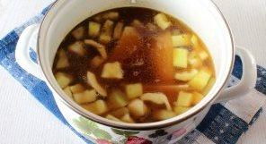 Суп-пюре из кабачков с грибами - фото шаг 2