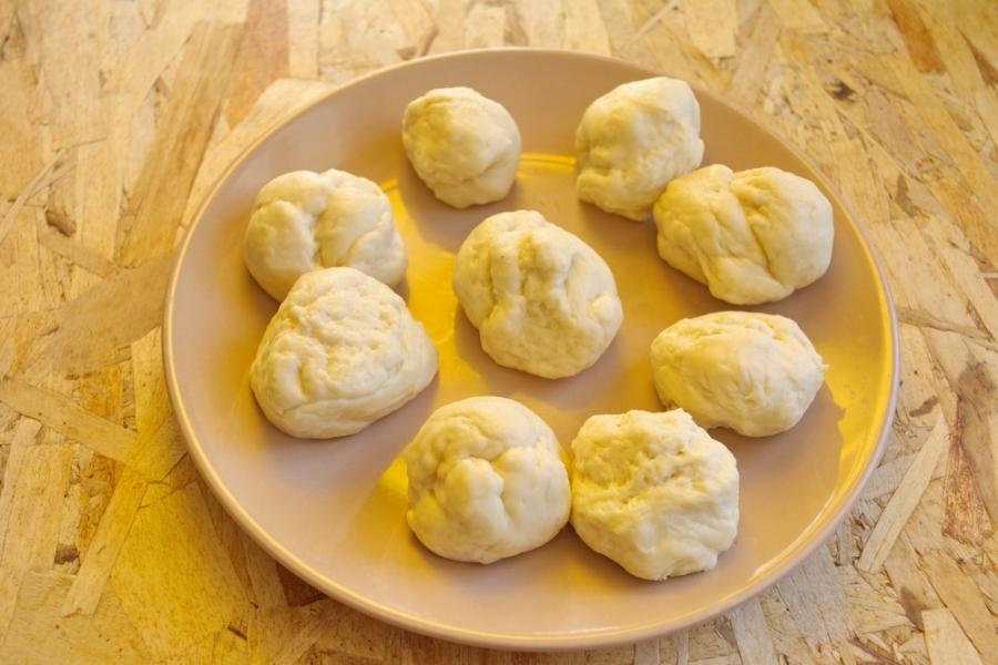 Вкусные пирожки из дрожжевого теста - фото шаг 6