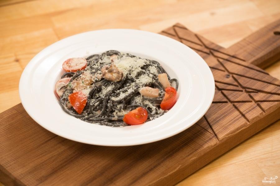 Спагетти с чернилами каракатицы и морепродуктами - фото шаг 8