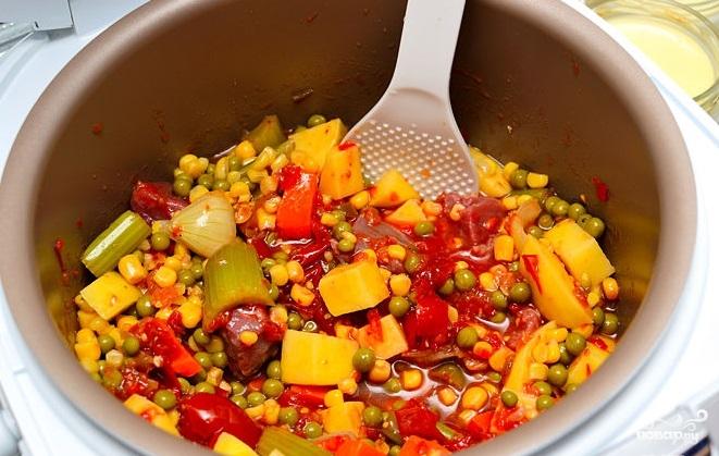 Рецепт Говядина с овощами в мультиварке