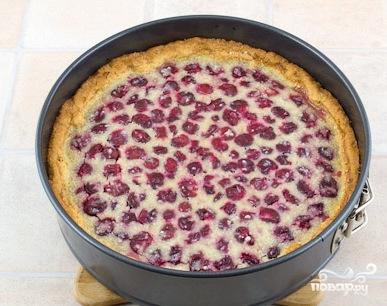 Песочный пирог с ягодной начинкой - фото шаг 7