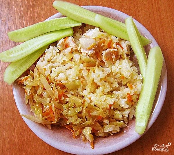 Курица с капустой и рисом