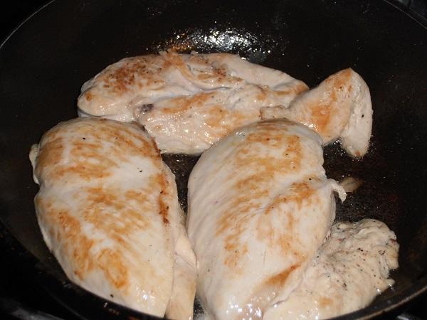 Тарталетки с ананасом и курицей - фото шаг 2