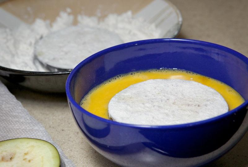 Жареные баклажаны с уксусом и чесноком - фото шаг 5