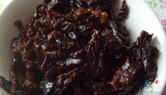 Шоколадный торт с черносливом - фото шаг 1