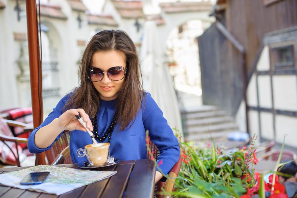 Чай и кофе пейте без сахара