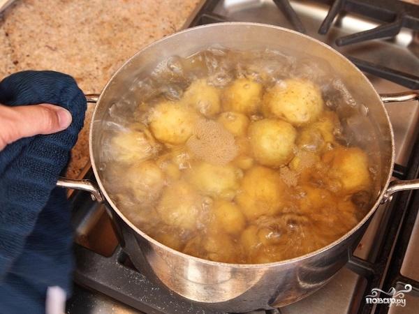 Картофельные дольки в специях - фото шаг 1