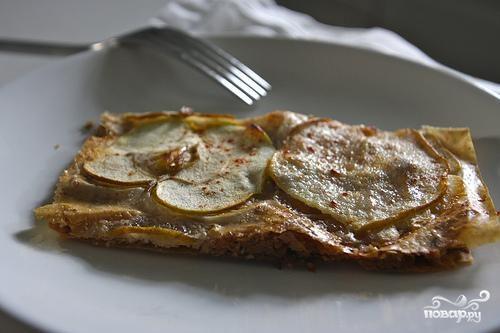 Пирог из теста фило с яблоками и грушами