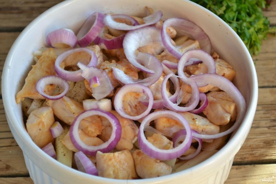 Куриное филе с картошкой в духовке - фото шаг 6