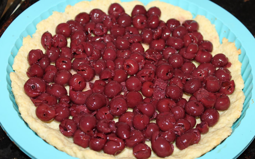 Песочный пирог с ягодами - фото шаг 8