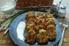 Куриные оладьи с сыром и зеленью