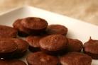 Шоколадные кексы с орехами
