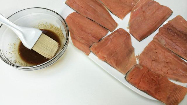 Филе лосося в глазури - фото шаг 4