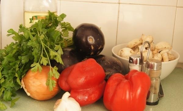 Рецепт Тушеные баклажаны с грибами