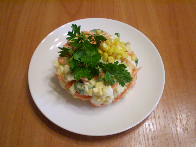 Салат с корейской морковкой и кукурузой - фото шаг 7